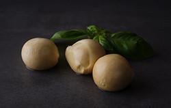 Paolella geräucherter Büffelmozzarella Minis 1000g - 67 x 15g